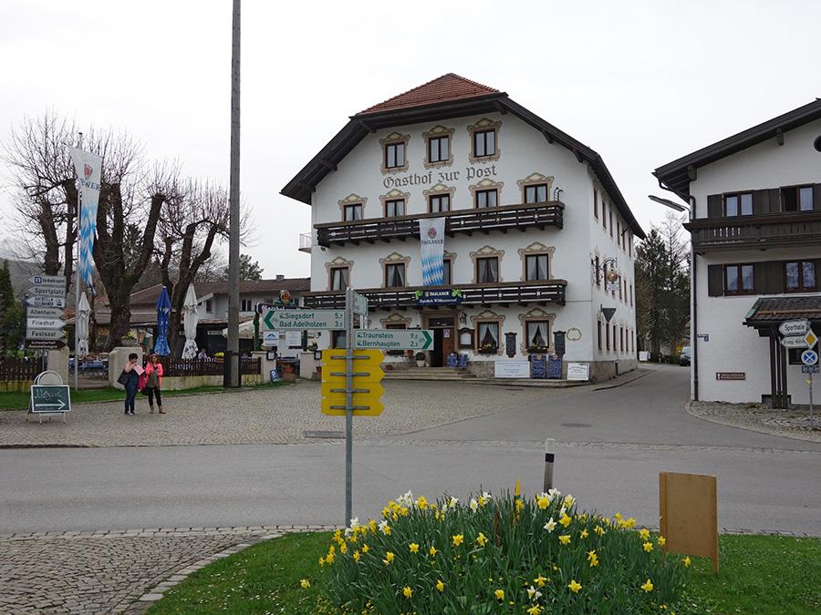gasthof zur post in bergen im chiemgau. Black Bedroom Furniture Sets. Home Design Ideas